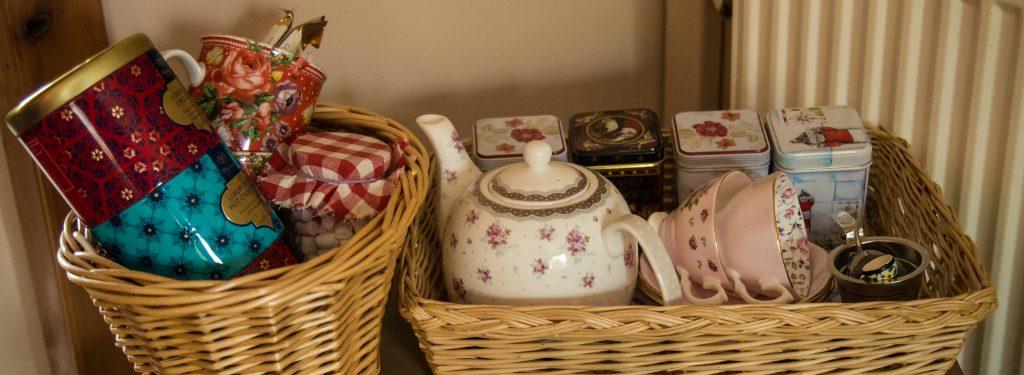 2 interior tea set