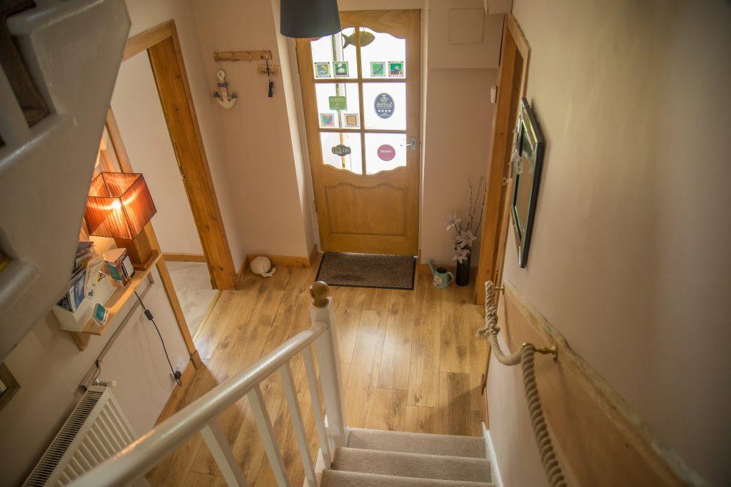 2 interior upstairs hall a
